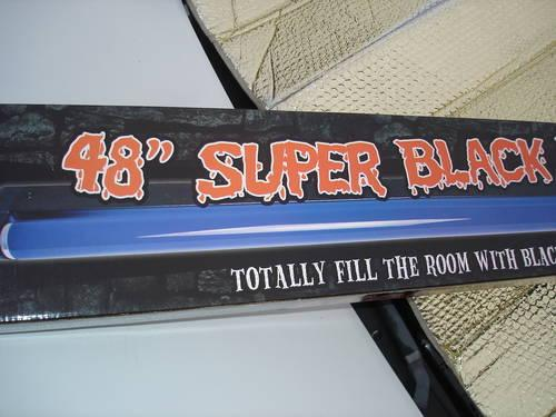 New in Box-Super Black Light & Fixture - 360 Degrees and 4 Feet Long