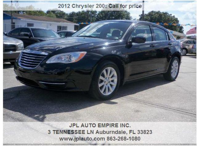 !!!2012 Chrysler 200 - Guarantee Financing