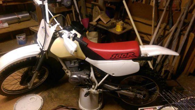 1999 honda xr100r dirt bike - in decent condition