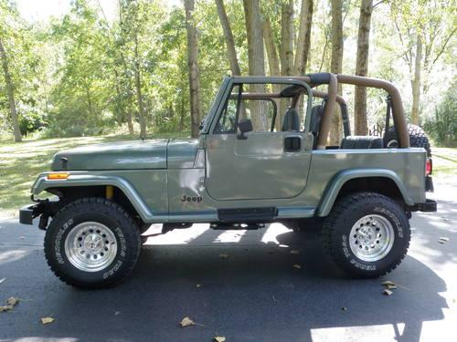1992 jeep wrangler yj hard soft top rust free 92k mi for sale in cary illinois classified. Black Bedroom Furniture Sets. Home Design Ideas