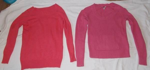 2 Sweaters, 1 brand new size M, 1 worn w no flaws size M