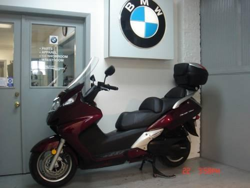 2010 Honda 650 Silverwing scooter, 2775 miles, like new