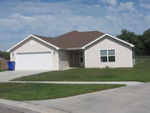 AVAILABLE NOW - 3 Bedroom, 2 Bathroom, 2 Car Garage