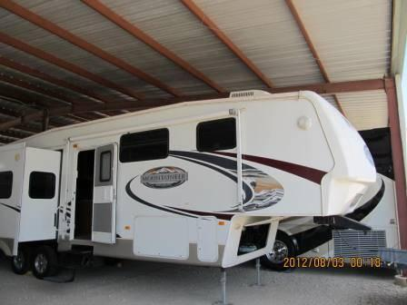 2009 Keystone Montana Mountaineer 324 RLQ in Texas
