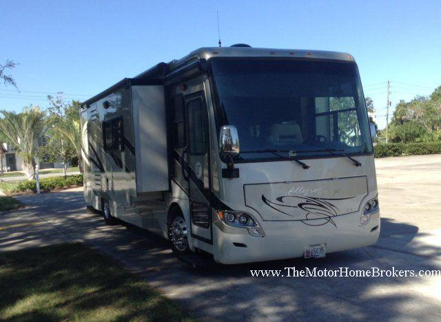 2012 Tiffin Allegro Breeze 32 BR Diesel Pusher