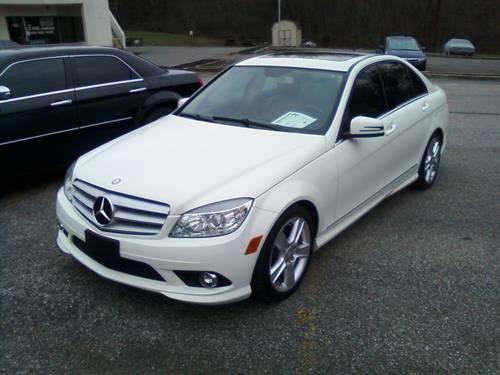 1-Owner 2010 Mercedes C300 4Matic 4dr 33K White w/ Beige leather mint