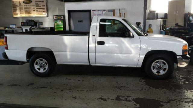 1999 GMC Sierra Long Box Pick-Up 4.8L Automatic 2WD 119,000 Miles