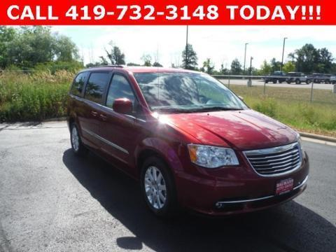 2014 Chrysler Town & Country 4 Door Passenger Van