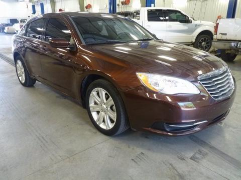 2012 Chrysler 200 4 Door Sedan