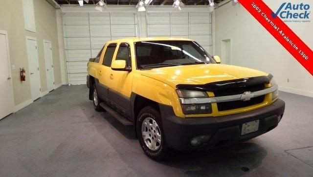 2003 Chevrolet Avalanche 1500 4D Crew Cab Base