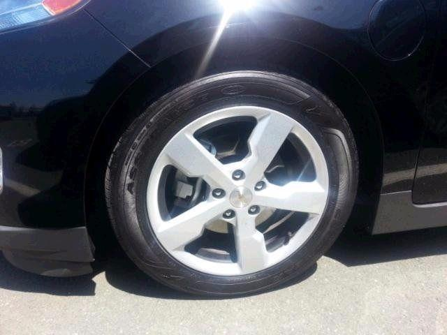 2013 Chevrolet Volt 4D Hatchback Base