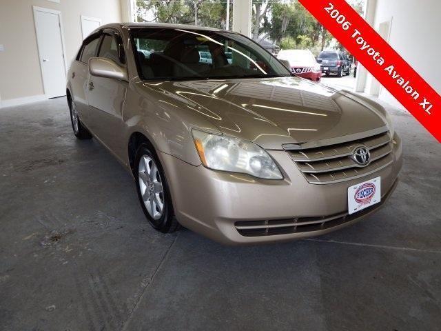 2006 Toyota Avalon 4D Sedan XL