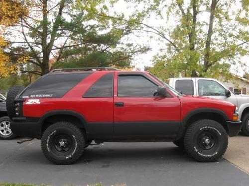 NICE 1997 Chevy S10 Blazer 4x4 2 Door LS for Sale in Arnott