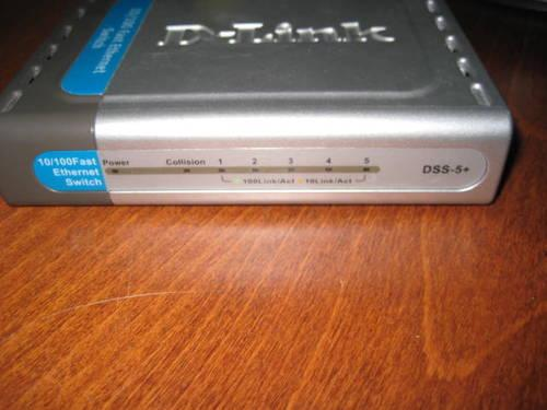 ETHERNET SWITCH D-LINK 10/100 5-PORT, WORKS GREAT!
