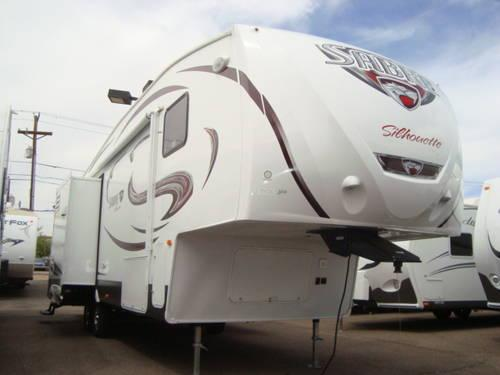 2014 Sabre Silhouette 298RLTS 5th Wheel w/triple slide-outs