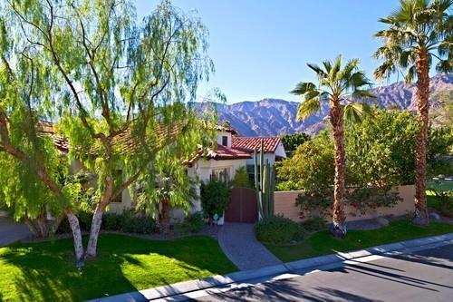 Spectacular 3BD/3.5 BA Casita Home on a Coner Lot in Gated Hacie