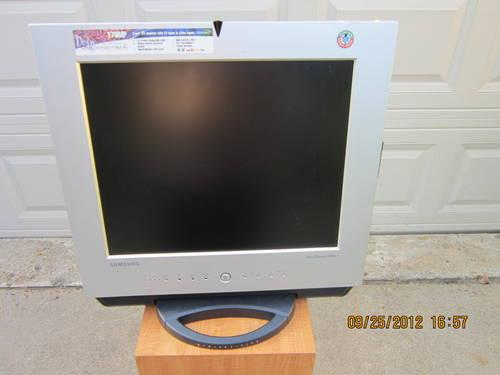 COMPUTER MONITORS/ TV/Parts & Accessories