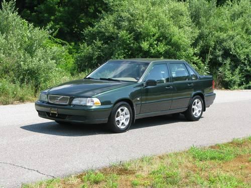 1999 Volvo S70 AWD Sedan....EXCELLENT Condition