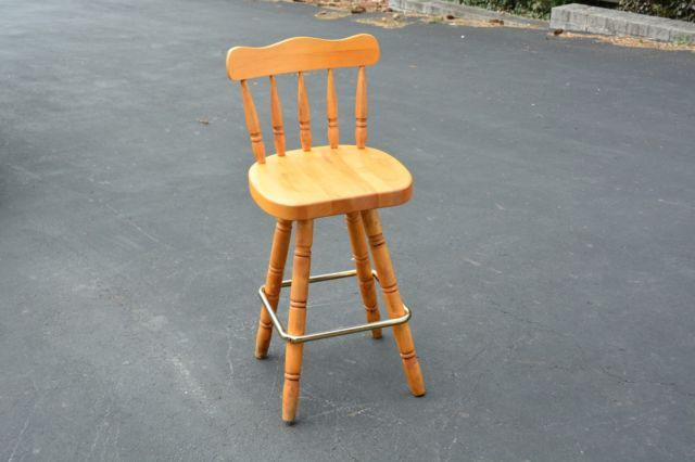 MAPLE WOOD COUNTER BAR STOOL