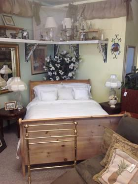 CHALK PAINTED BIG AND BEAUTIFUL SLEIGH BED