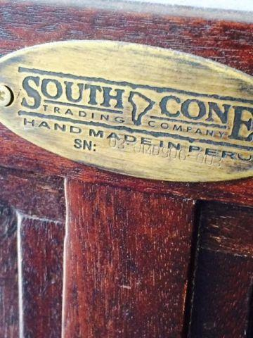 South cone king bed frame