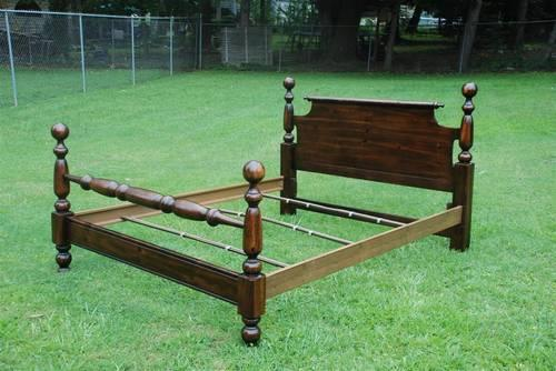 Queen Size Dark Pine Cannon Ball Bed Frame Solid Wood