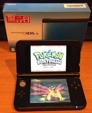 Nintendo 3DS XL - Blue w/ Pokemon Platinum