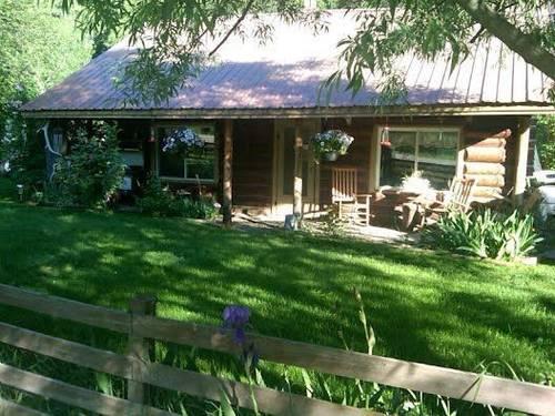 Old hatfield house log cabin 2 br owner financing 104 for Log cabin financing