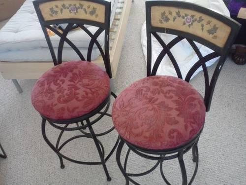 2 bistro swivel bar stools / breakfast bar / high quality Used