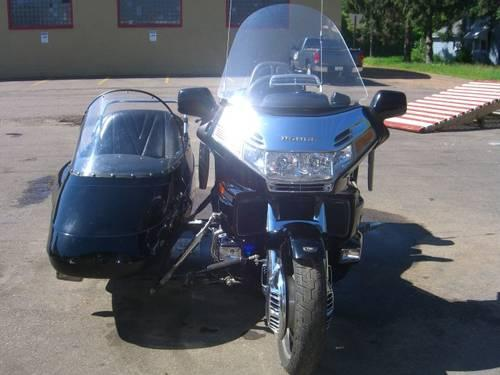 1998 Goldwing GL1500SE with California Side Car