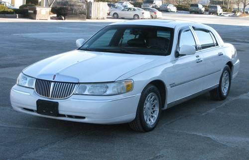 1999 Lincoln Town Car...BEAUTIFUL Car!