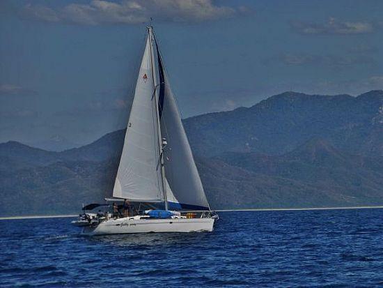 47' 1999 Catalina 470