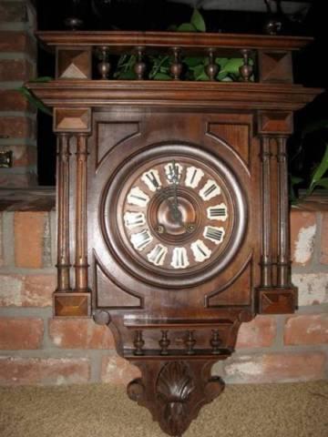 Broyhill 3 Piece Entertainment center wall unit