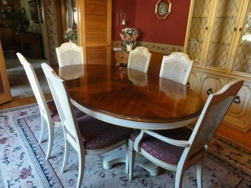 Vintage Drexel Heritage Table Chairs China Hutch For Sale In Portland Oregon Classified