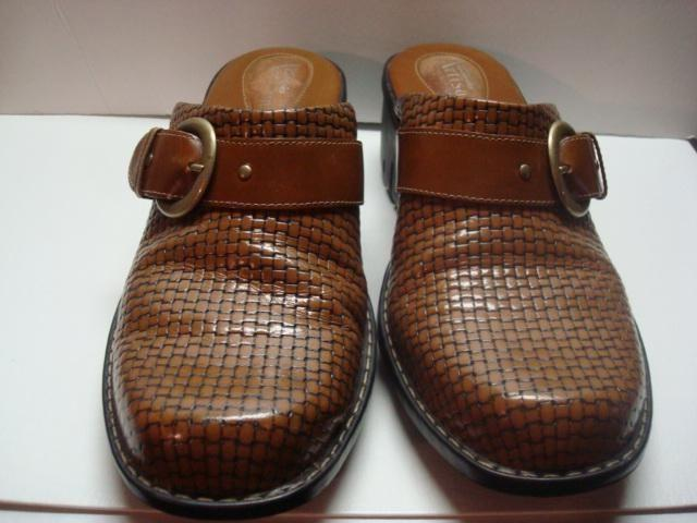 Have one to sell? Sell now Clarks Artison Clogs leather brown wo