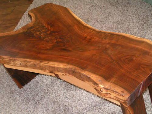 TABLE LIVE EDGE WALNUT GREAT COFFEE TABLE OR TV STAND