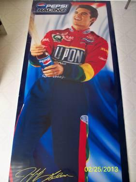 JEFF GORDON DUPONT COLLECTIBLE TRACK PACK