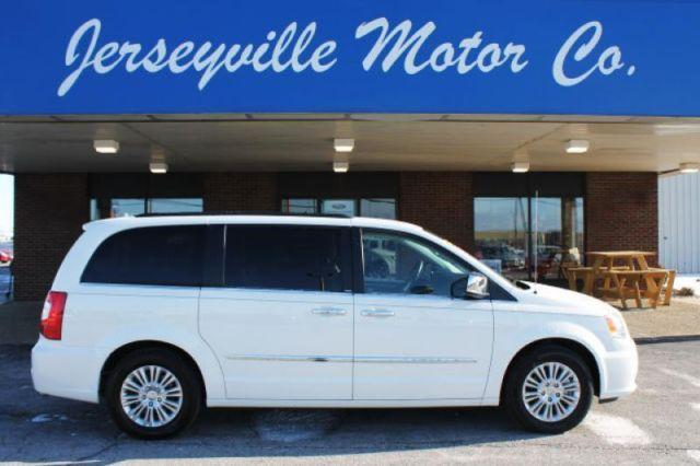 2013 Chrysler Town Country Touringl For Sale In Grafton