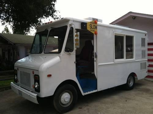 Soft Serve Ice Cream Truck! NICE!