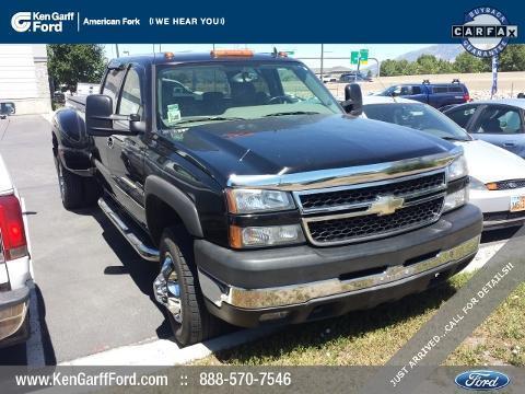 2007 Chevrolet Silverado 3500 4 Door Crew Cab Long Bed Truck