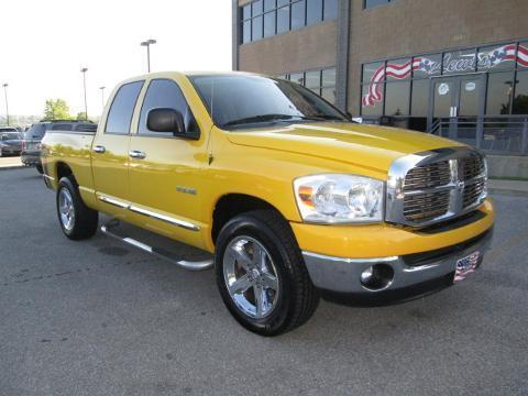 2008 Dodge Ram 1500 4 Door Crew Cab Short Bed Truck