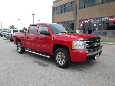 2007 Chevrolet Silverado 1500 4 Door Crew Cab Short Bed Truck