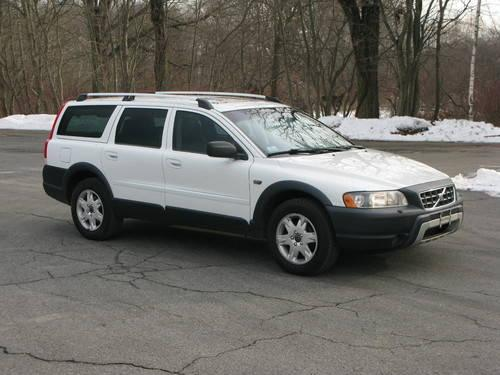 2005 Volvo XC70 Cross Country....EXCELLENT COND