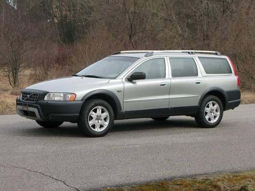 2005 Volvo XC70 Cross Country....MINT COND