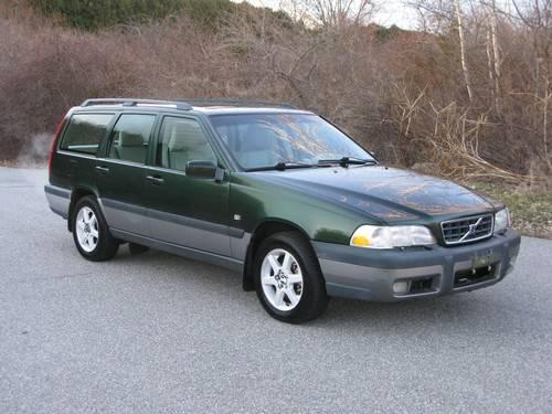1999 Volvo V70 XC Cross Country Wagon...Excellent Car