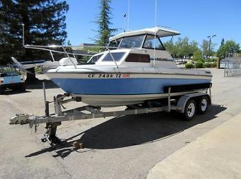 1990 Marlin 18 Foot Cuddy Cabin Boat