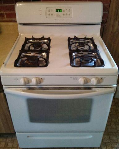 Frigedaire Porpane Stove With 30 Day Warranty & Free Delivery!!!!