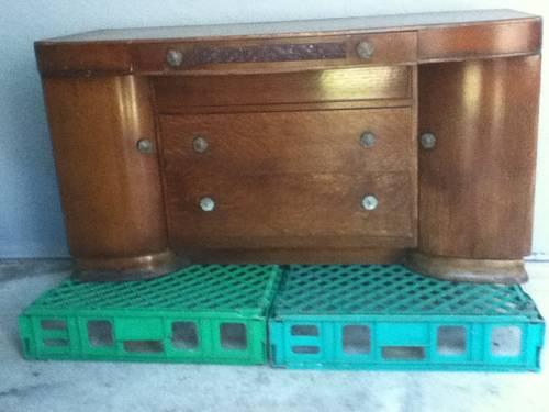 ANTIQUE FURNITURE: 1930's VINTAGE ART DECO DRESSER