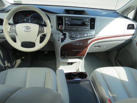 2014 Toyota Sienna 4 Door Passenger Van