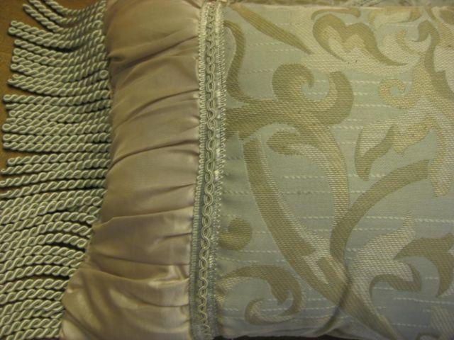 Comforter 6 Piece Set - Full / Double Size, Like New